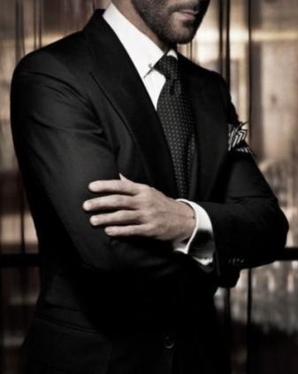 groom-black-classic-wedding-winter_1