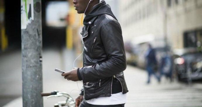 leather-biker-jacket-mens-paris-street-style-750x400