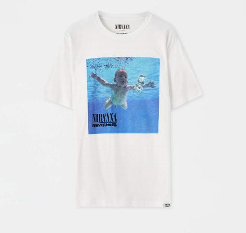 Pull&Bear - 15.99€